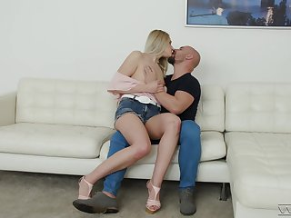 Aroused girl gets the big dick right in the ass