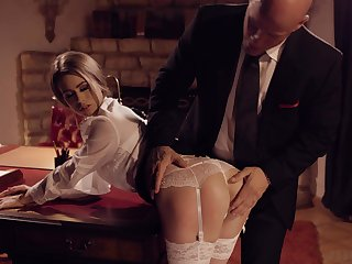 Aroused chick bends ass for her boss in a sensual XXX
