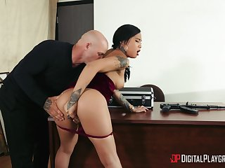 Stimulated Asian secretary suits the boss with the stroke fuck