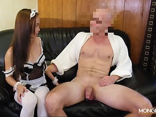 Asian housewife in sexy unchangeable Karen gives her admirer and gets fucked