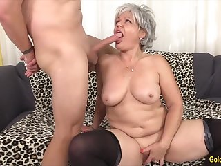 Cock hungry mature women taking hard dicks in brashness and give awesome blowjobs