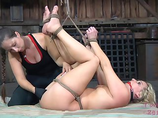 Painful spanking and pussy drilling be useful to bungler comme