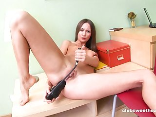 Amateurish toys pussy and ass in seductive cam without equal