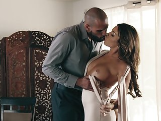 Smashing nude porn leads this hot Latina woman to a huge turning-point