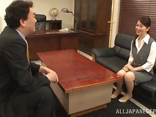 Office sex ends concerning cum in mouth for a Japanese secretary
