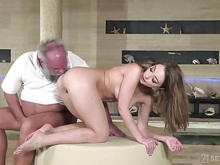 Experienced dude with a stiff dick fucks wet pussy of younger Emerald Ocean